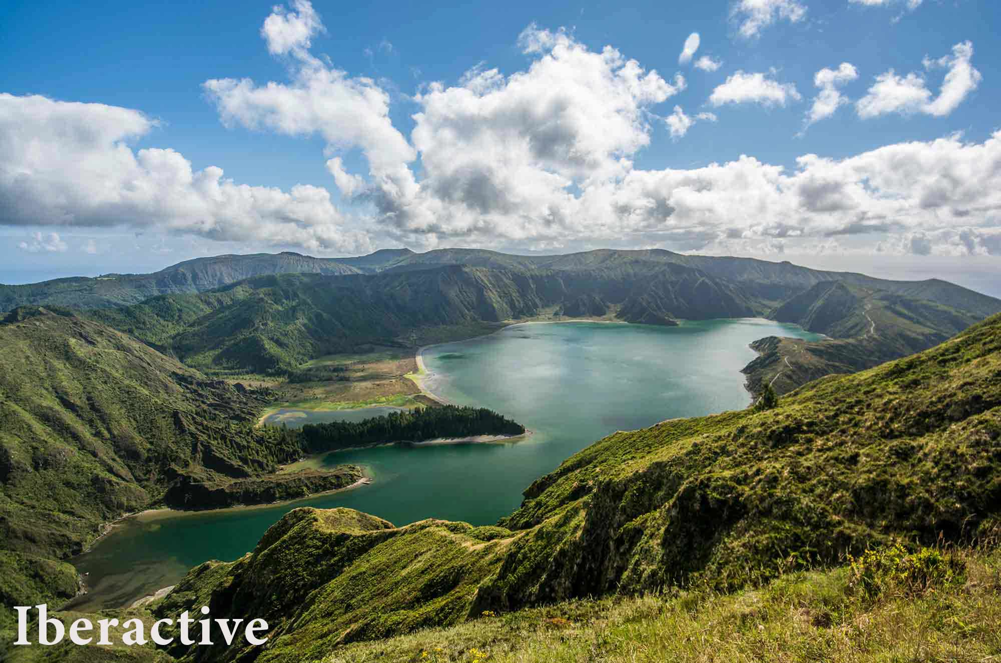 How to divide the time to spend nine days visiting the Azores?